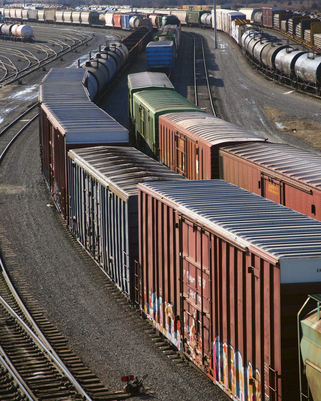 Güterwaggons einer Eisenbahn; Thema: Internationaler Schienenverkehr